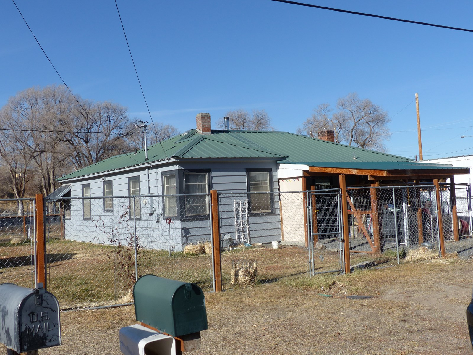 CUTE HOME ON CORNER LOT IN BURNS OR