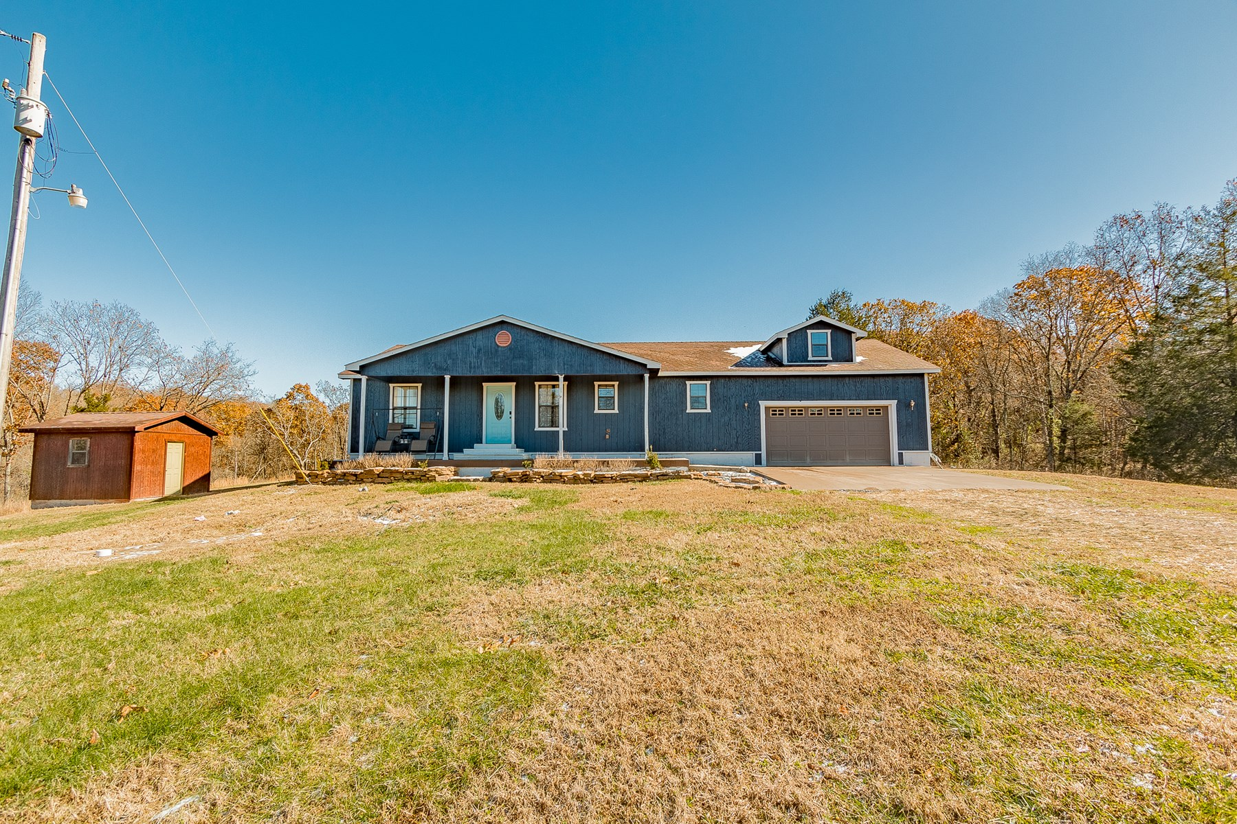 Country Home for Sale Just North of Arkansas Border