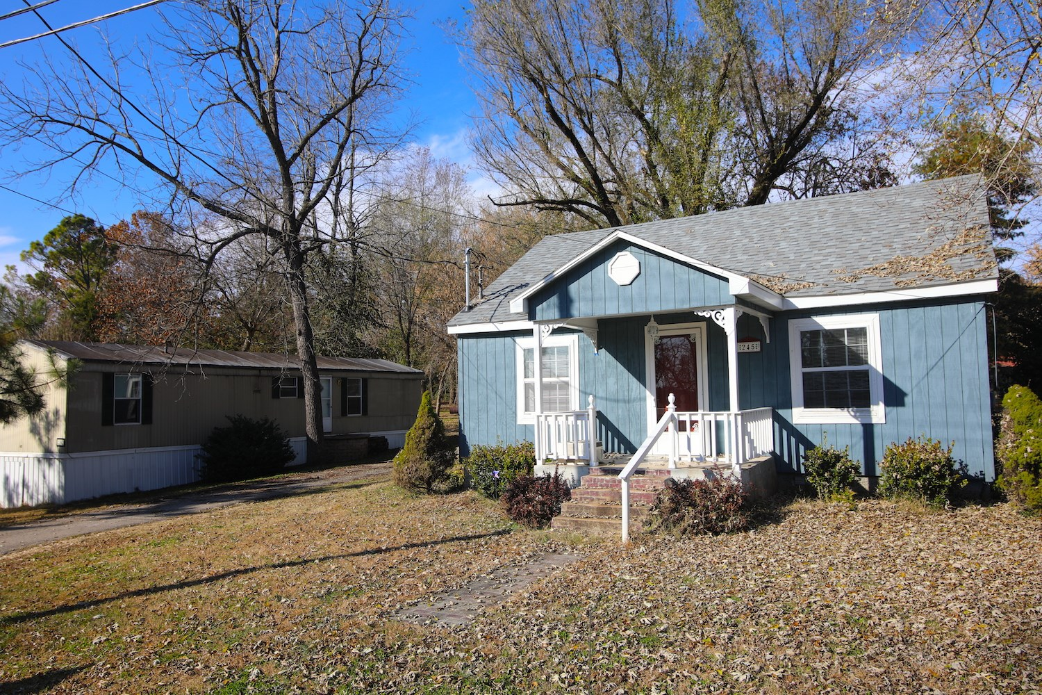 Two Homes for Sale in Mammoth Spring, AR