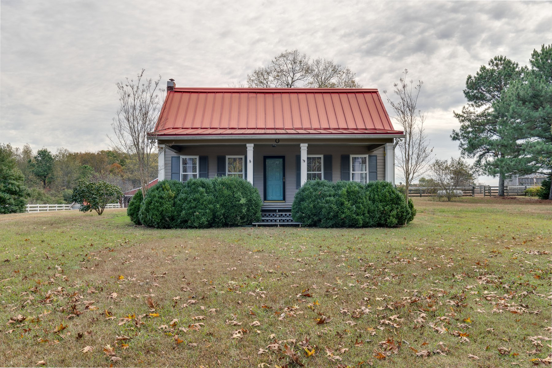 Country Cottage Home w/ Acreage for Sale in Pulaski, TN
