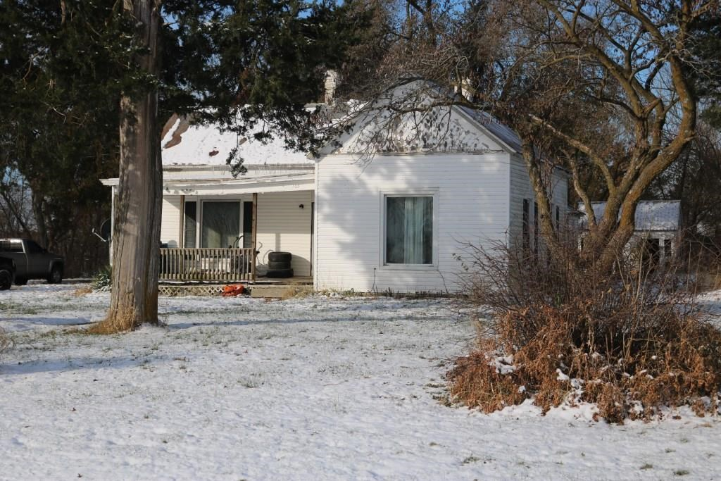 2 BR, 1 BA Fixer Upper on Acreage in Prairie Home, MO