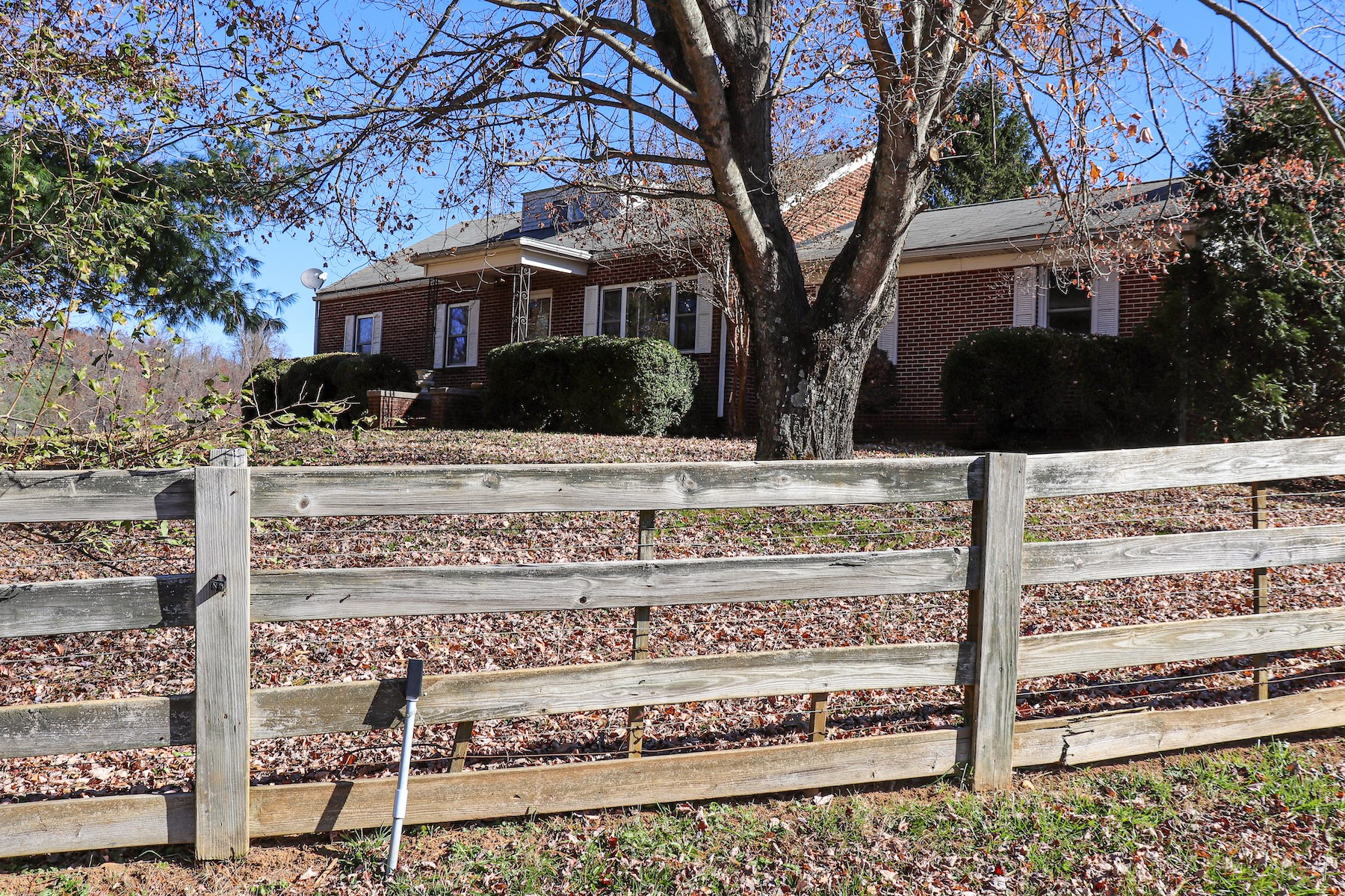 Sweet Country Home with Farmland for Sale!