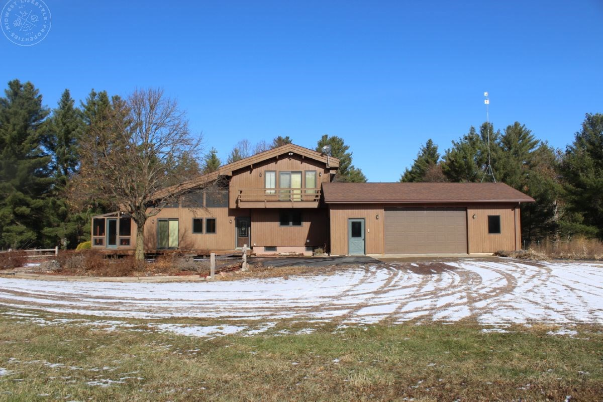 Home Nestled in 80 Acres of Turnkey Hunting Clark County WI