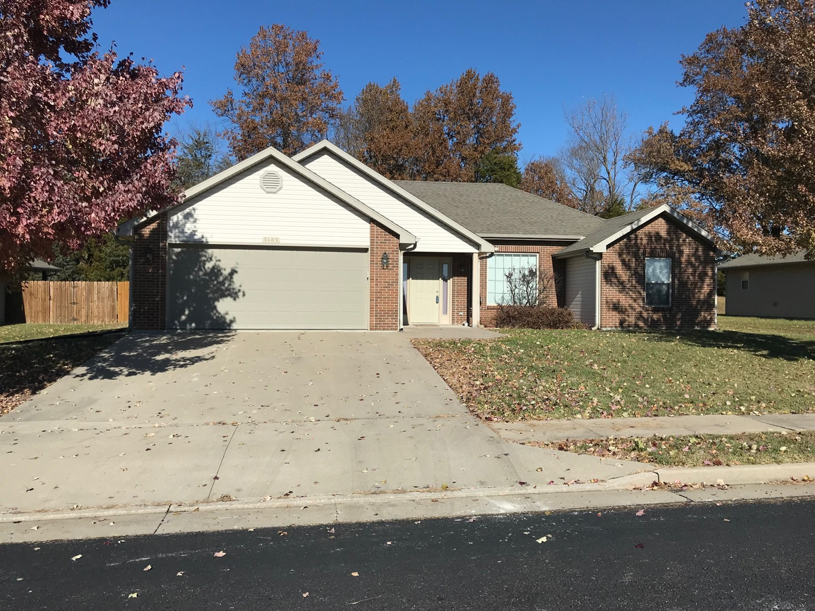 3 BR, 2 BA, 2 Car Garage near Battle High, Columbia MO