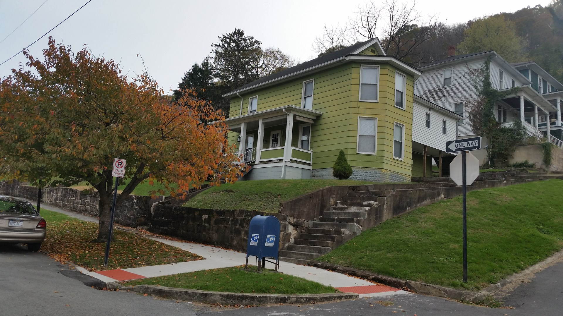 HISTORIC TWO STORY HOME IN HINTON, WV