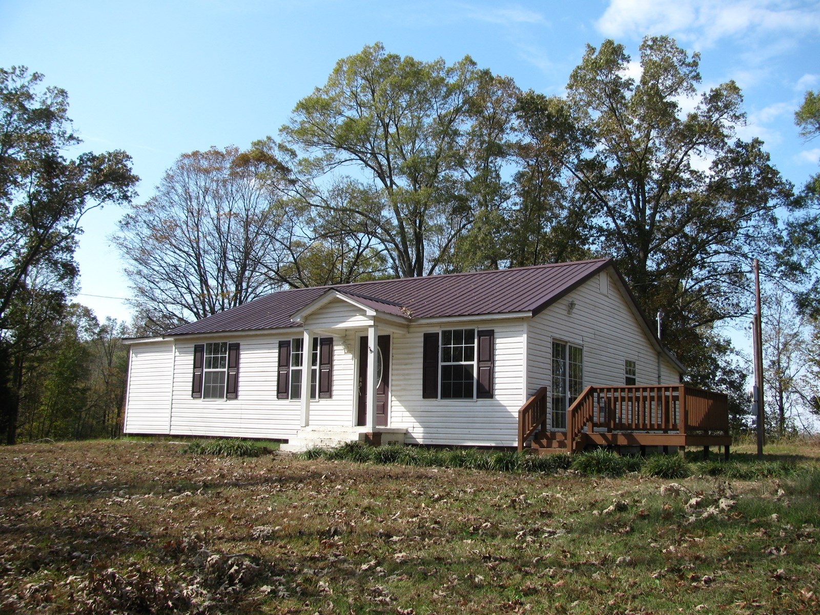 COUNTRY HOME ON 2.7+/- ACRES IN HARDIN COUNTY, TN