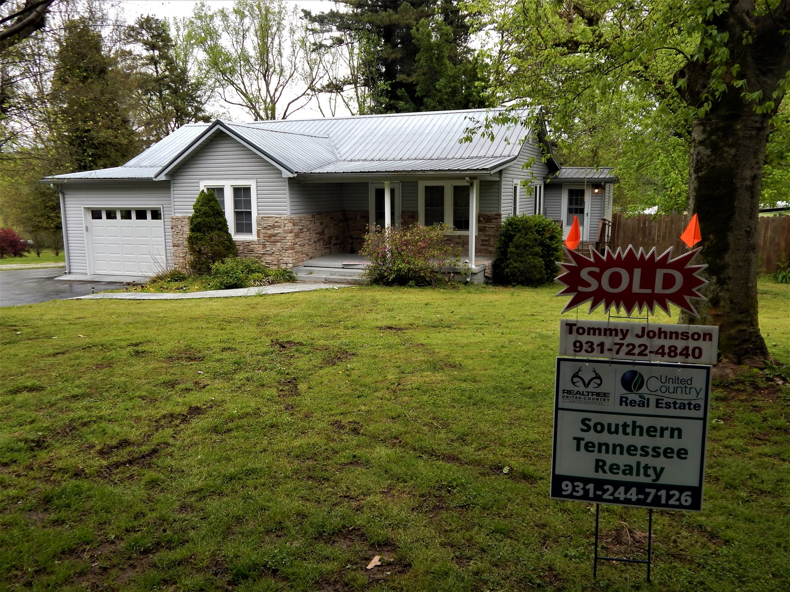 FOR SALE NEWLY RENOVATED 1480 sq ft Tennessee Home!