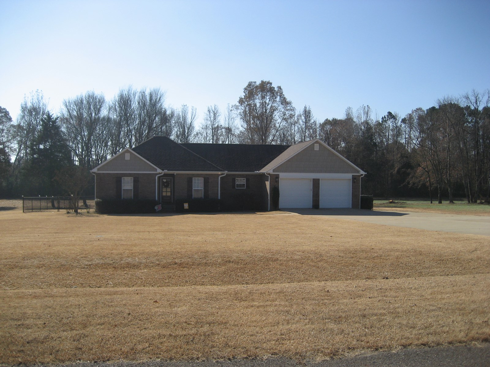 3 BEDROOM BRICK HOME FOR SALE IN ADAMSVILLE, TN
