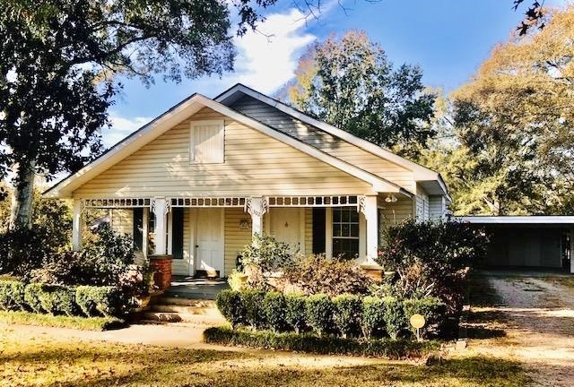 2 Bed/2 Bath Home in Town, Summit, Pike County, MS