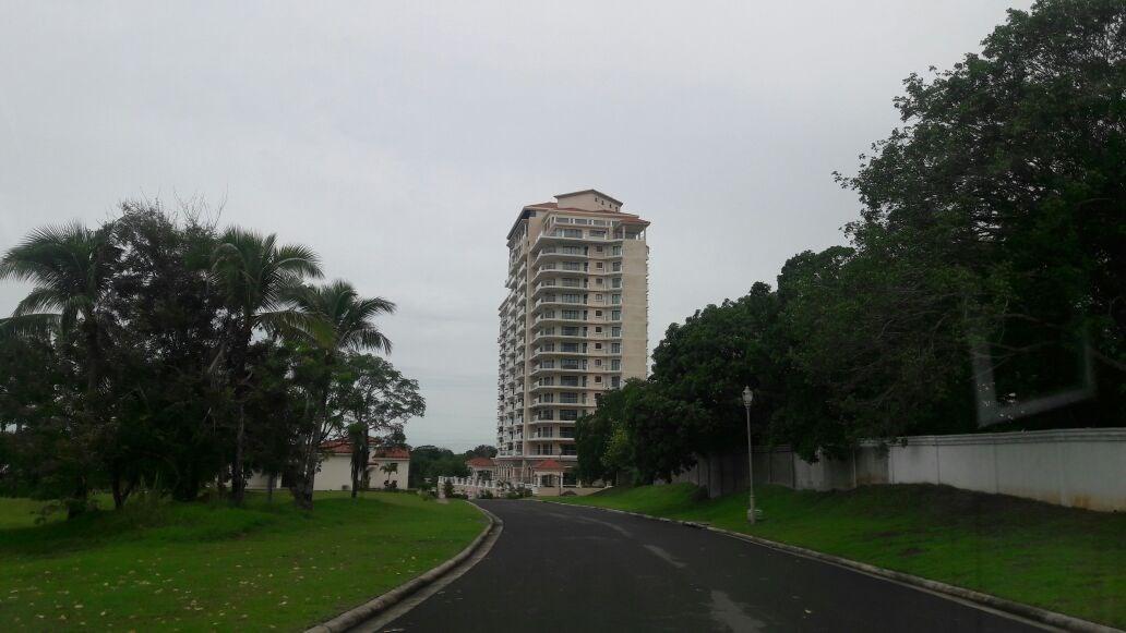 APARTMENT FOR SALE IN LAS OLAS VISTA MAR PANAMA