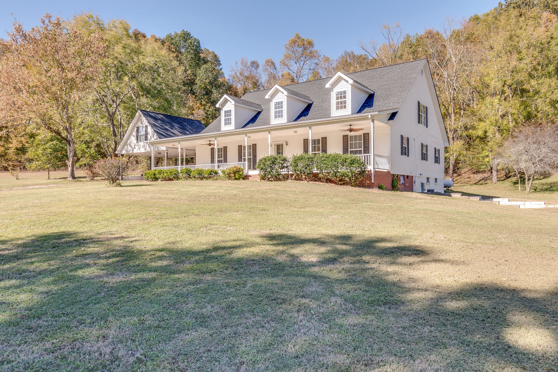 Country Home w/ Acreage for Sale in Mt. Pleasant, Tennessee
