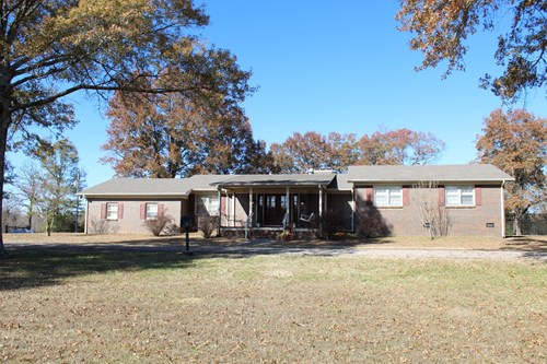 TN FARM FOR SALE RANCH WITH BRICK HOME BARN PASTURE FENCING