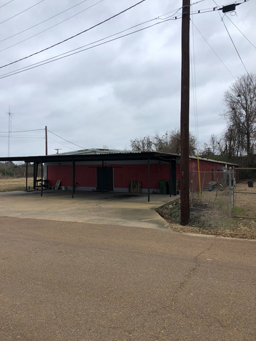 Metal Building for Sale - 218 Fox St, Louisville, MS 39339