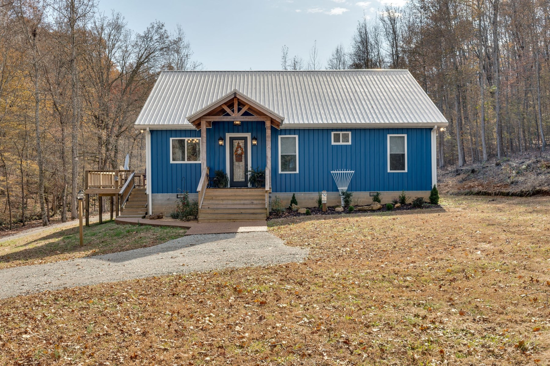 Cottage Home Situated on 3+/- Acres in Hohenwald, Tennessee