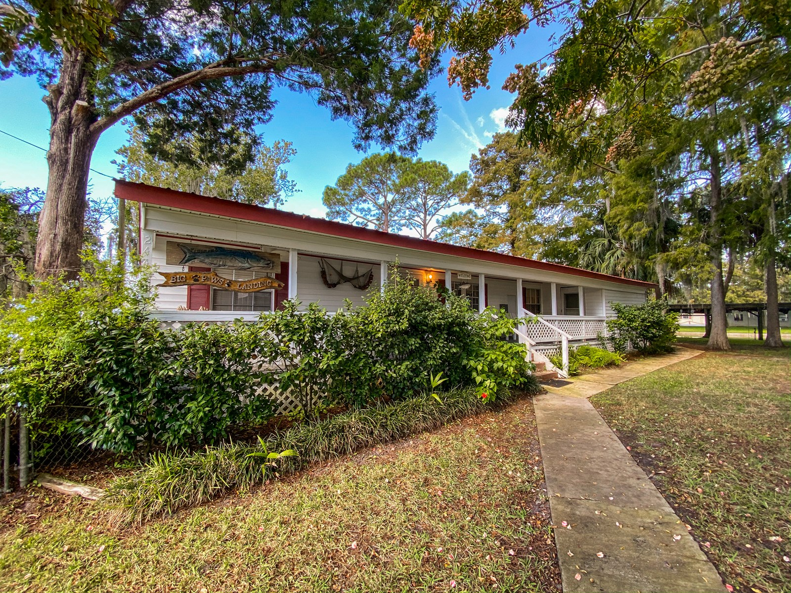SUWANNEE FLORIDA WATERFRONT HOME FOR SALE - River Canal Home