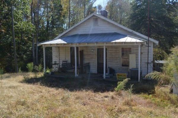 House on 3+ Acres with Barns on Alamance County, NC