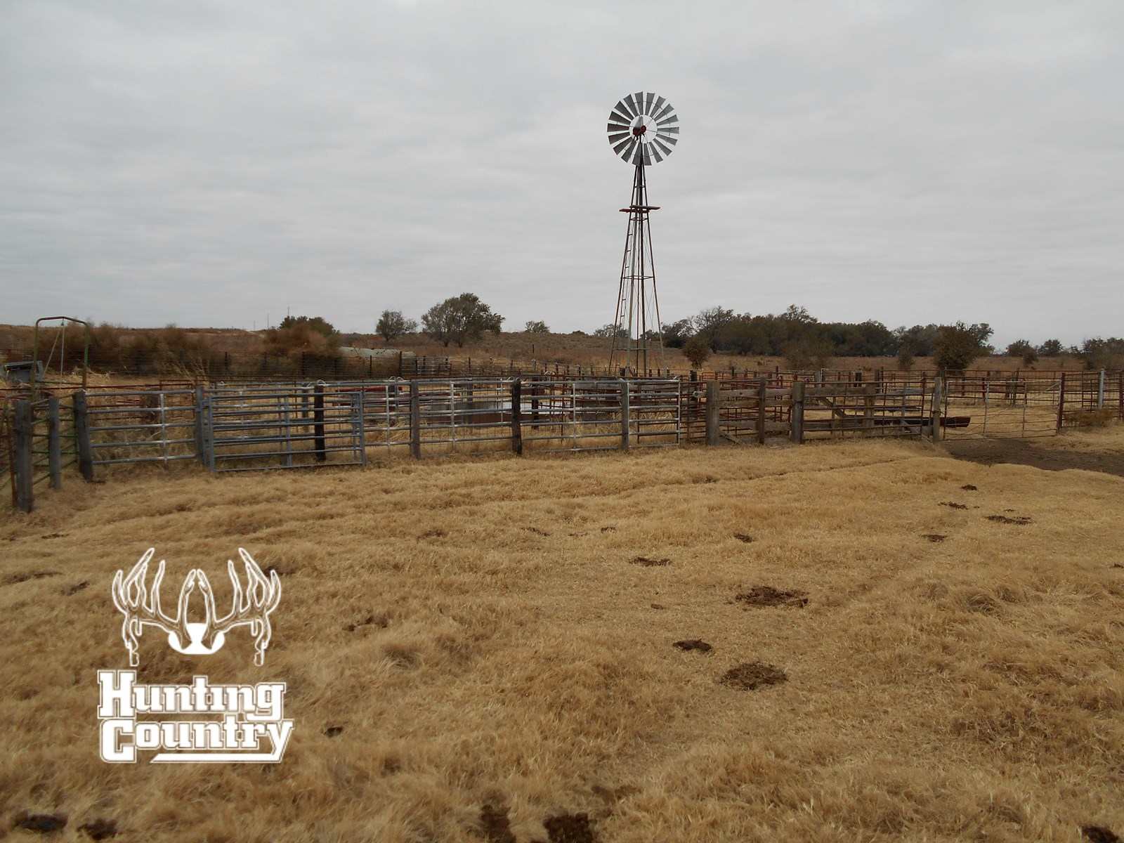 915 acres m/l MAJOR COUNTY OKLAHOMA RANCH on CIMARRON RIVER