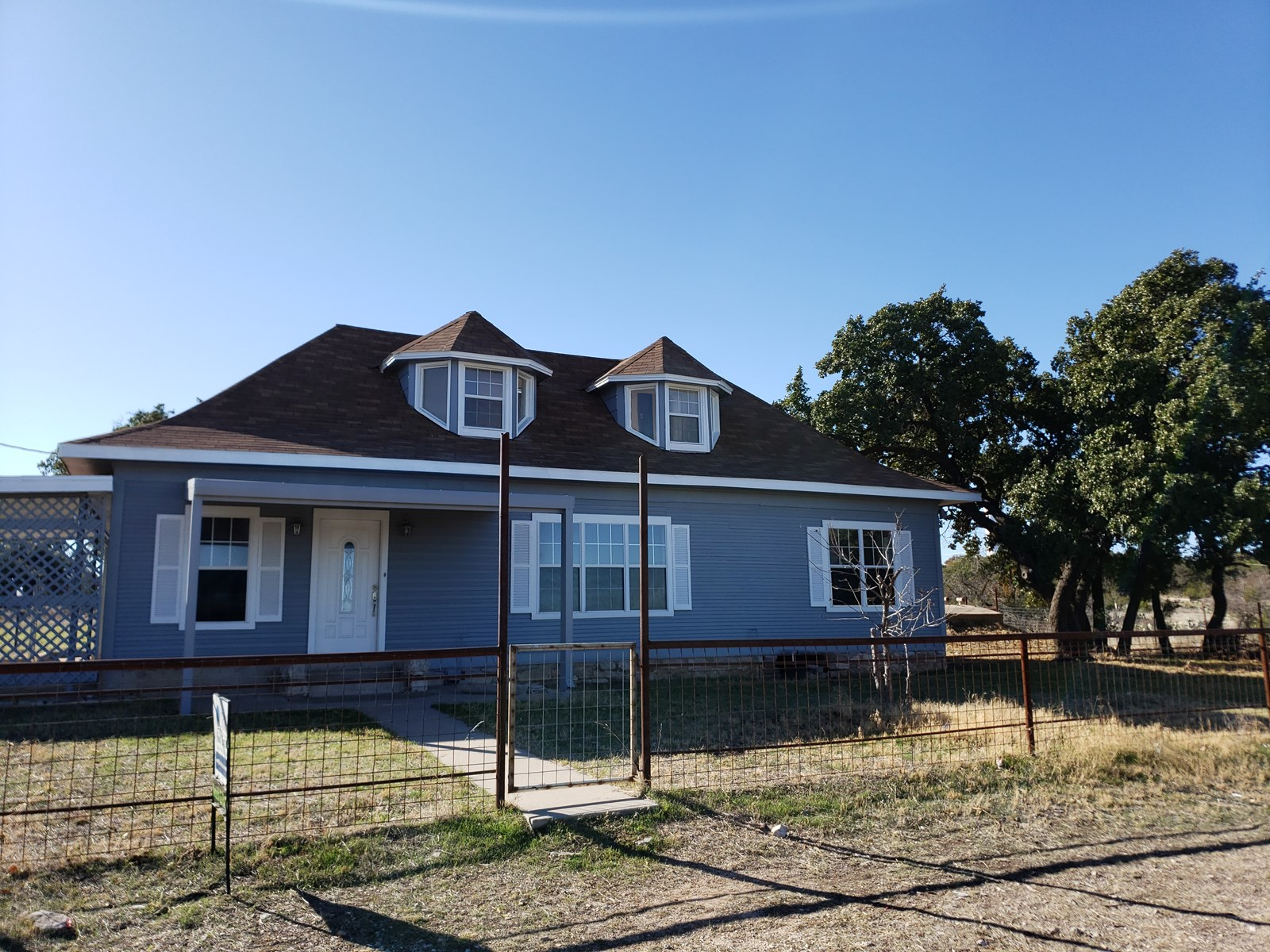 Large Home with Land for sale in Mertzon, TEXAS