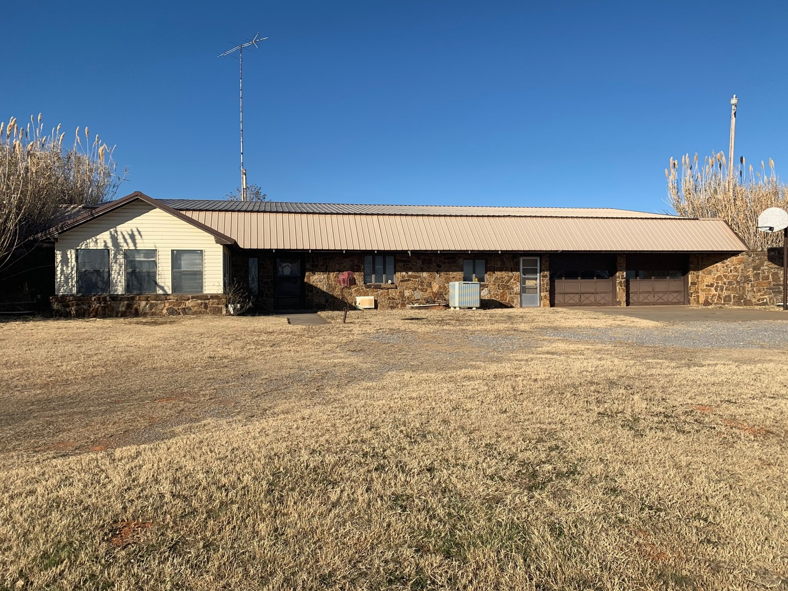 Country Home for Sale, Arapaho, OK