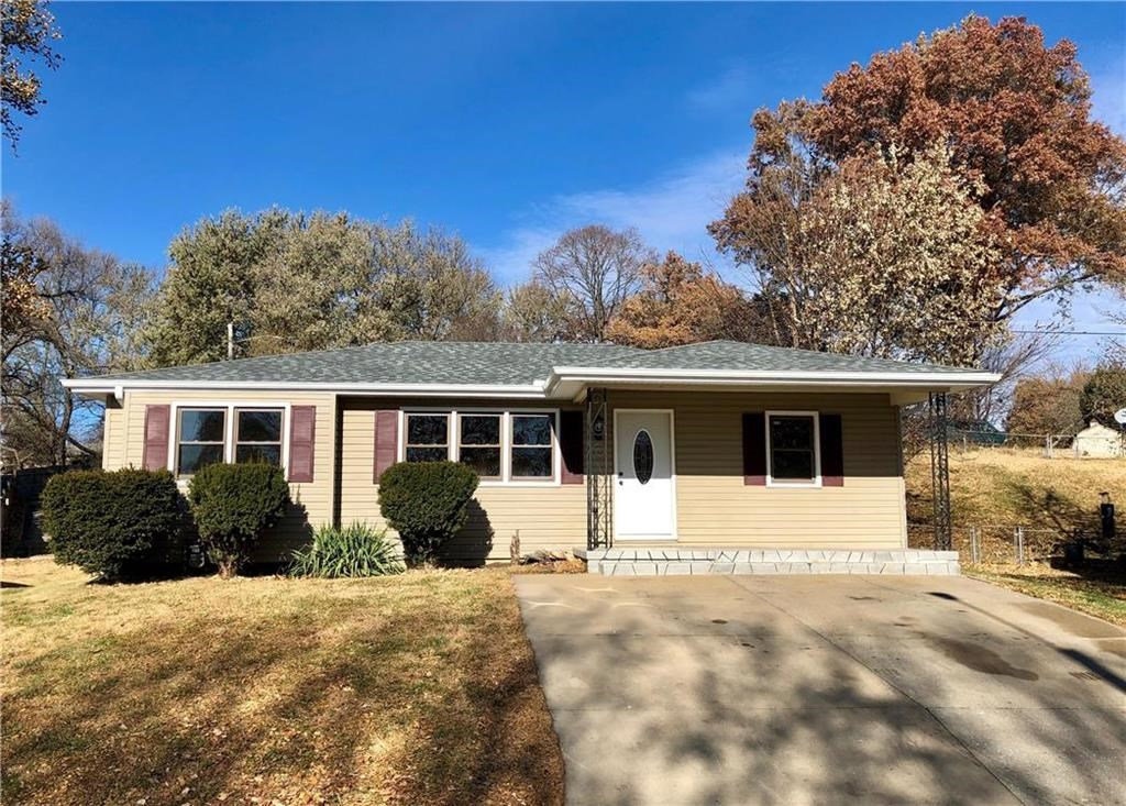 Newly Remodeled 3 Bed, 2 Bath Ranch Home