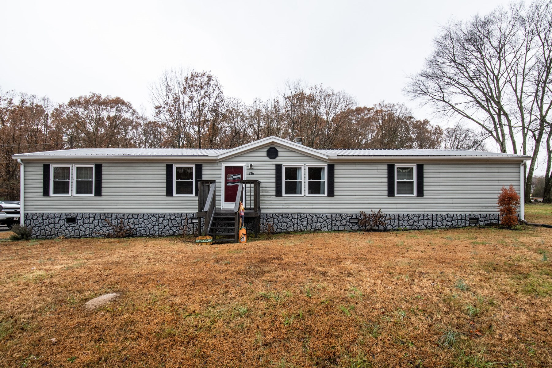 4 Bedroom Home on Acre Lot, for Sale in Hohenwald, Tennessee