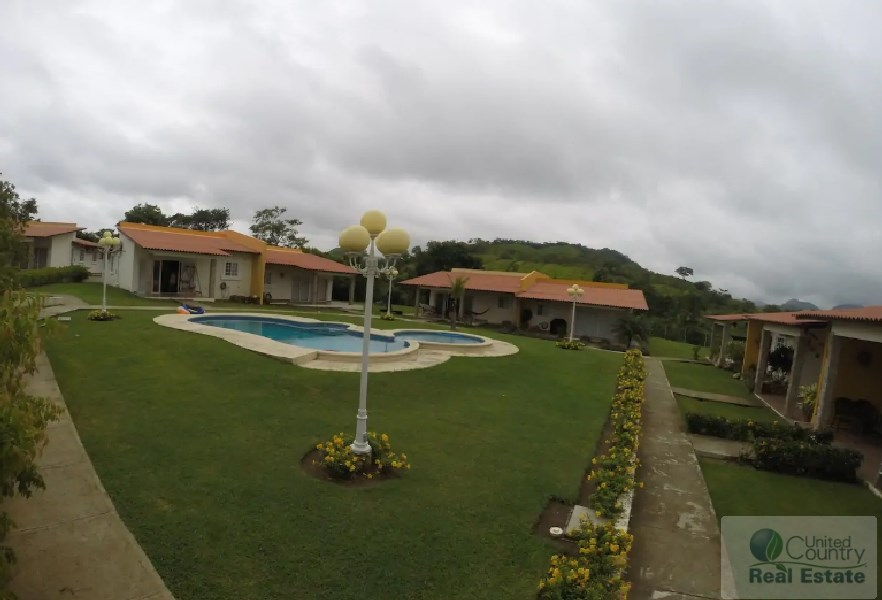 HOUSE FOR RENT IN VILLA BRISAS DE LAJAS CHAME PANAMA