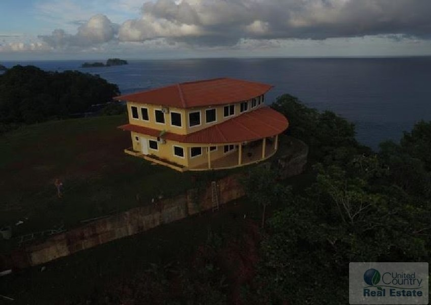 OCEAN FRONT HOUSE FOR SALE IN AZUERO PENINSULA PANAMA