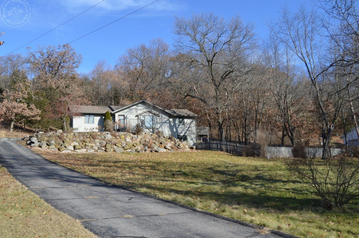 Move in Ready Columbia County WI Country Home