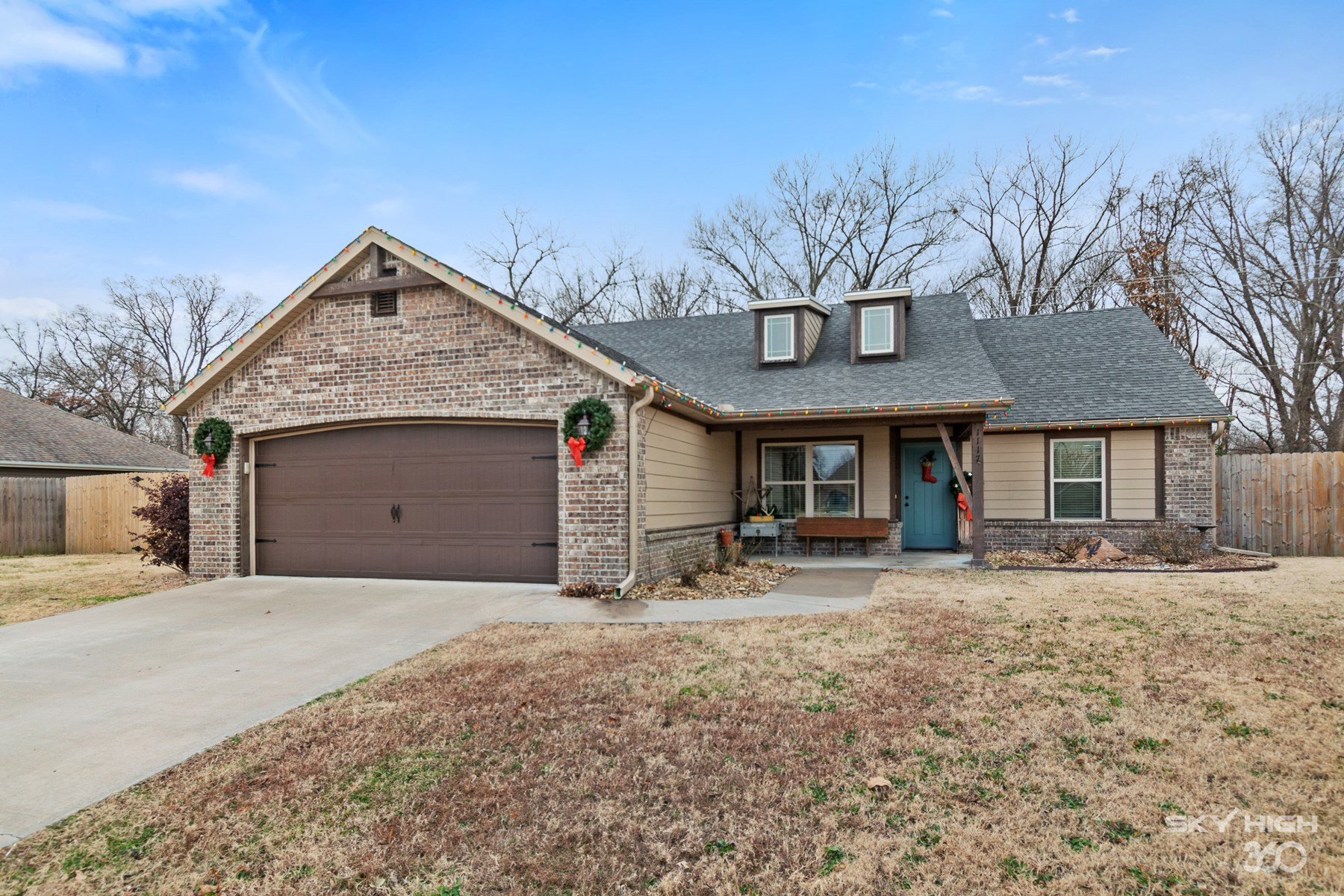 Conveniently Located Pea Ridge Home For Sale