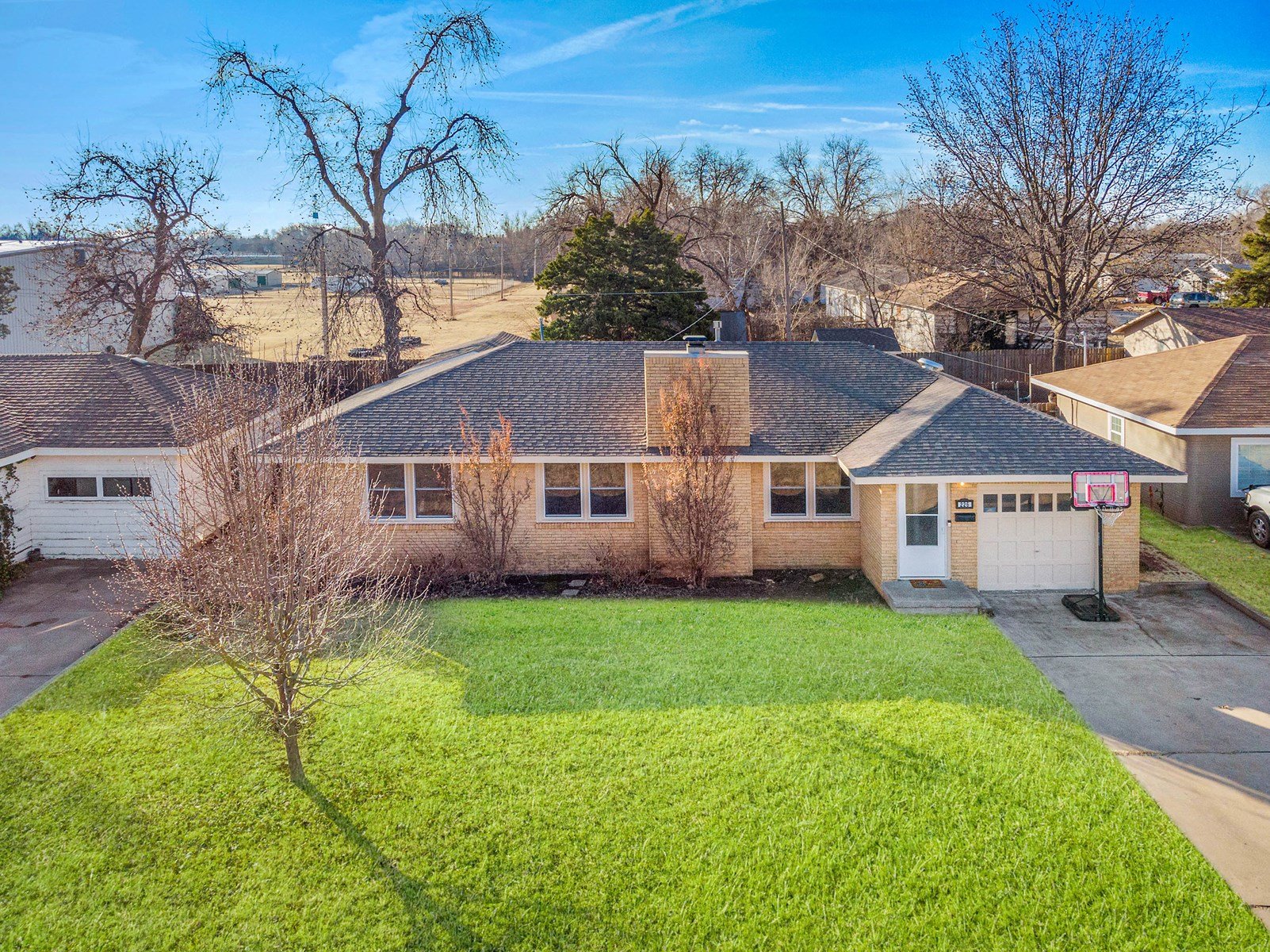4 BED 2 BATH HOME FOR SALE IN ELK CITY