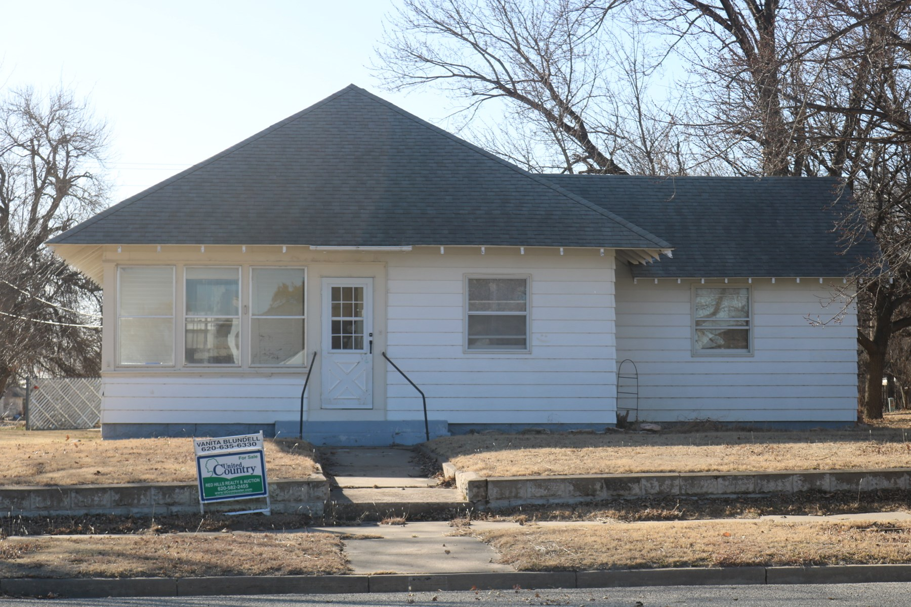 Home in town, Protection,Ks for sale