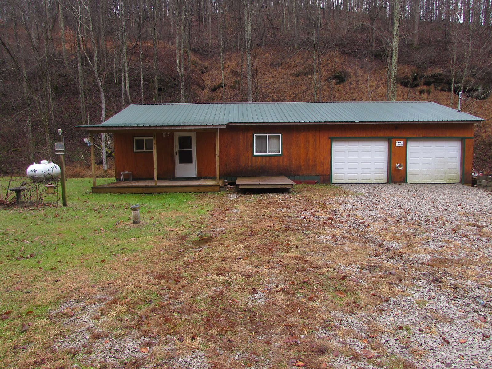ONE BEDROOM BUNGALOW LOCATED IN DODDRIDGE COUNTY, WV