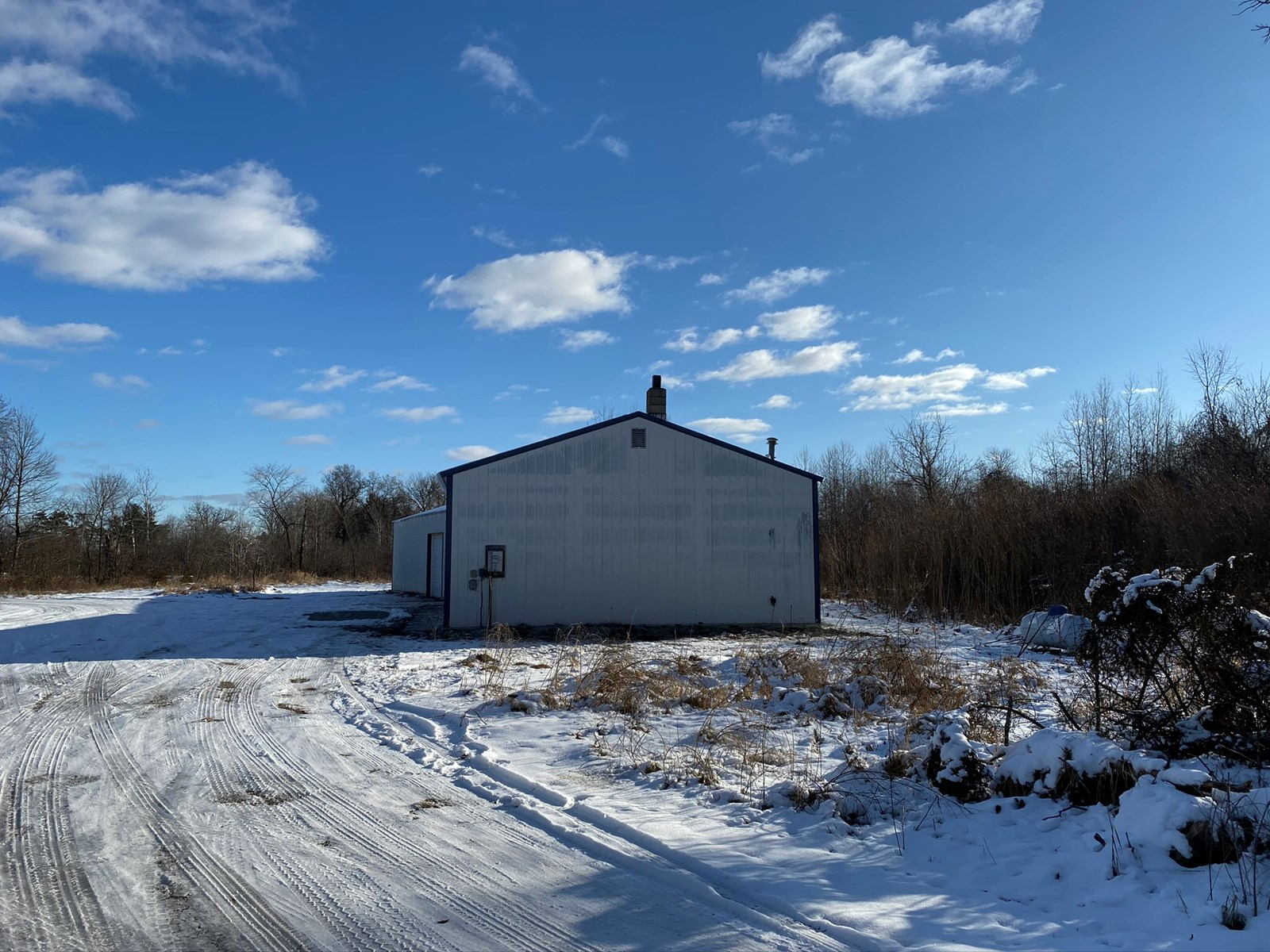 Vacant Land w/2-Pole Buildings 3000 Total Sq Ft