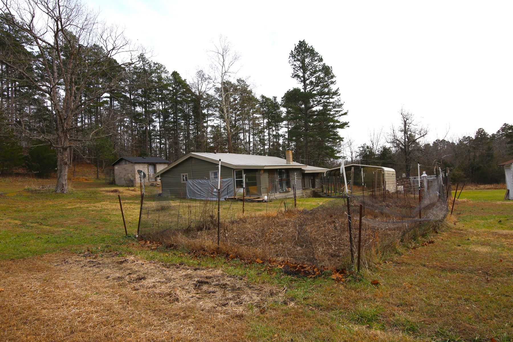Secluded Home / Cabin On Small Acreage For Sale in North AR