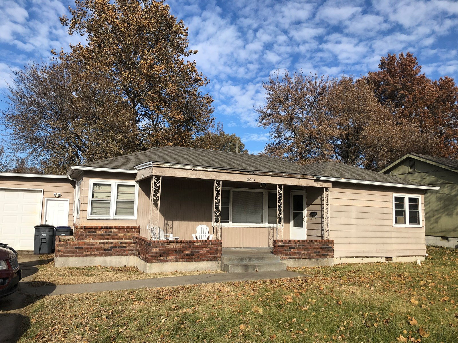 Two 3 bedroom Rental Homes on 1 city lot Harrisonville, Mo.