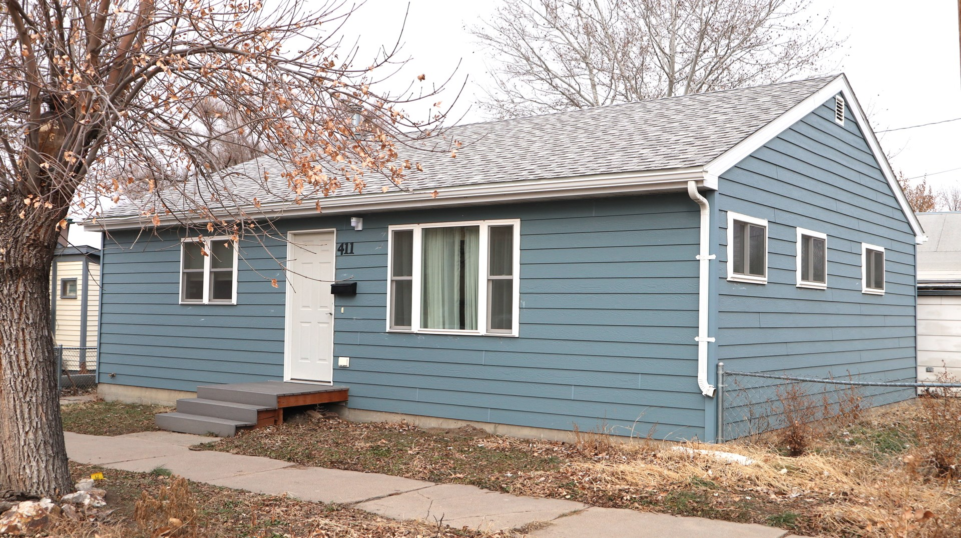 Move-in Ready Home For Sale with Fenced Yard in Glendive MT