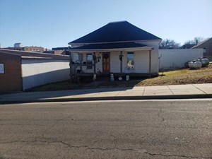 HOME AND BUSINESS FOR SALE DOWNTOWN WEST PLAINS MO