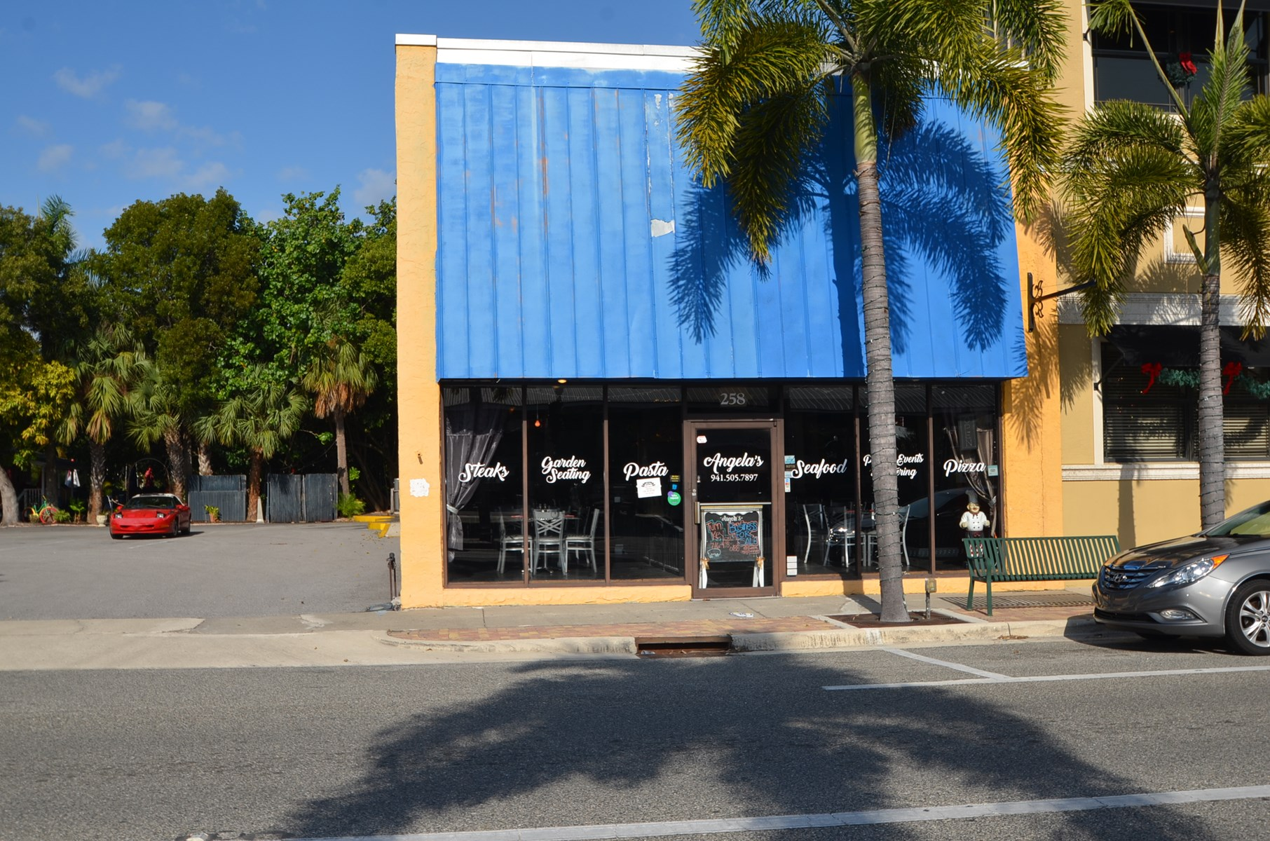 Restaurant Business for Sale in Punta Gorda, Florida!