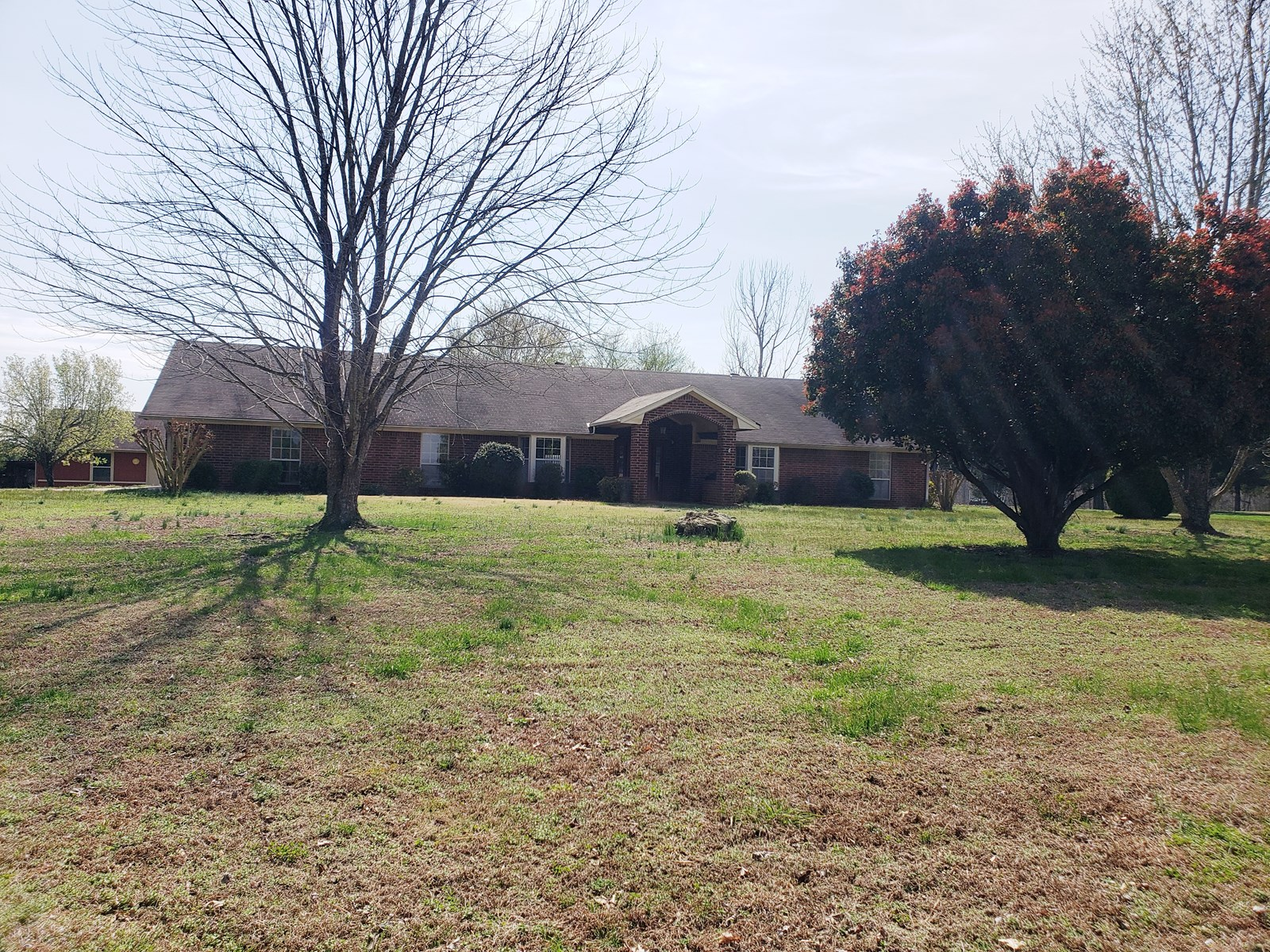 Brick home with guest house for sale in Ash Flat, AR