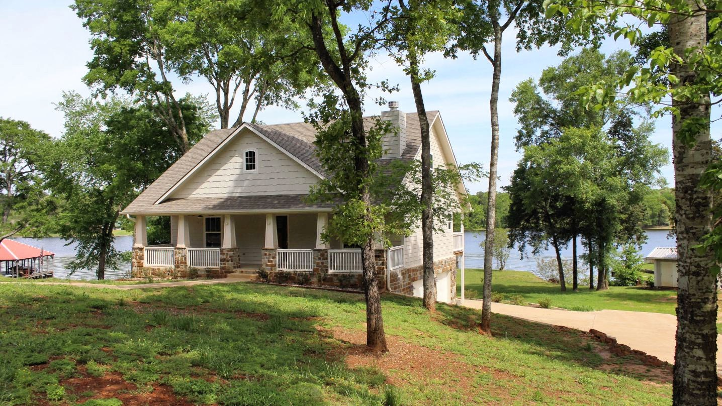 WATERFRONT PROPERTY ON LAKE PALESTINE IN EAST TEXAS