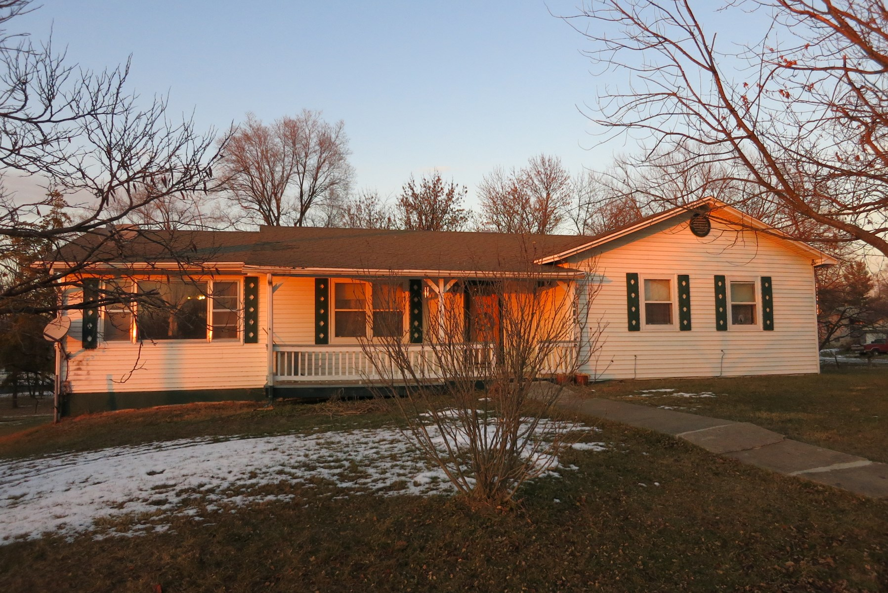 Home For Sale in Ridgeway MO