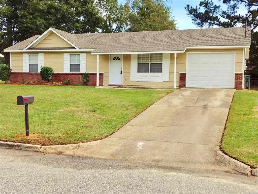 Home for sale in town of Dothan, Alabama