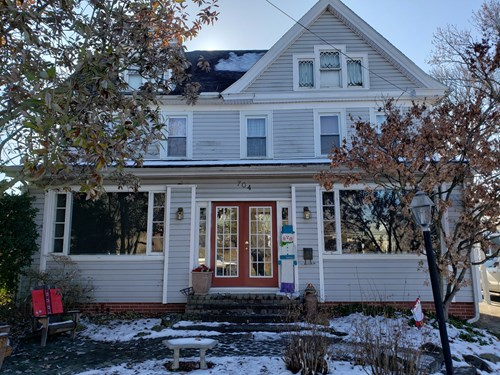 Beautiful 4 Bedroom Home, Lawrenceville, IL