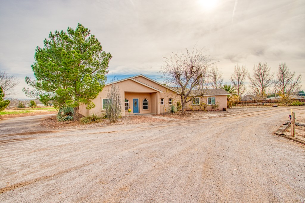 Country Home w/Solar on Farm in North Valley Las Cruces, NM