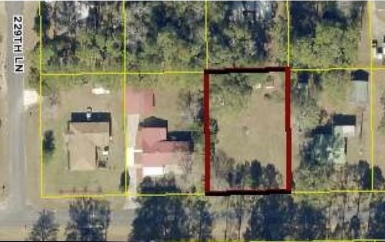 Acreage in Dowling Park