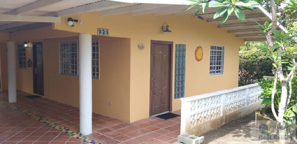 HOUSE FOR SALE OR RENT IN SAN CARLOS PANAMA