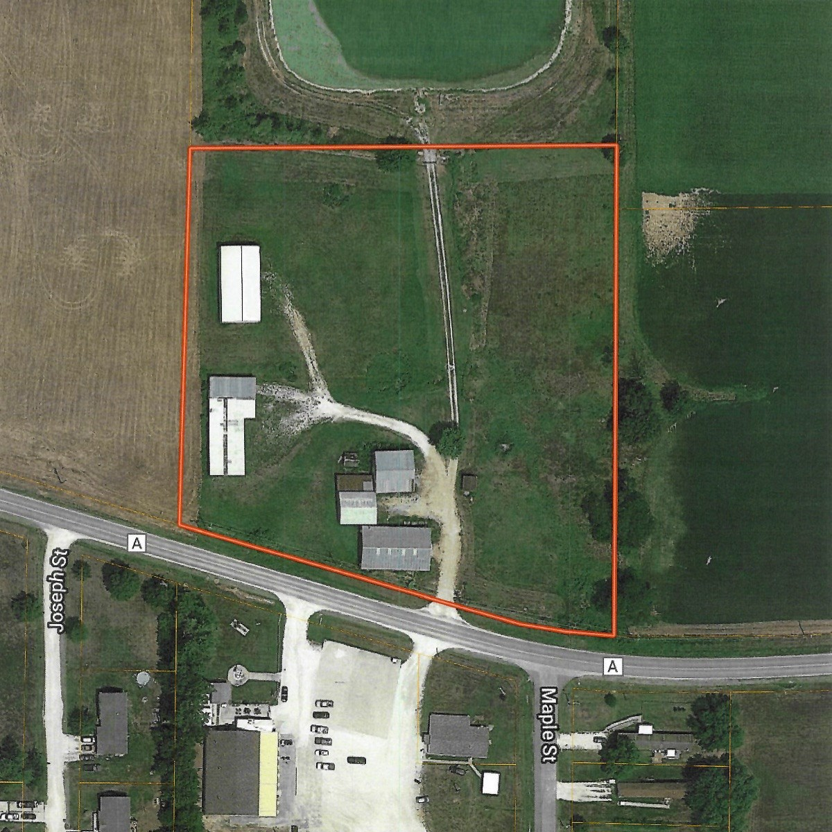 Storage Buildings and Lot for sale in Lincoln County, MO!