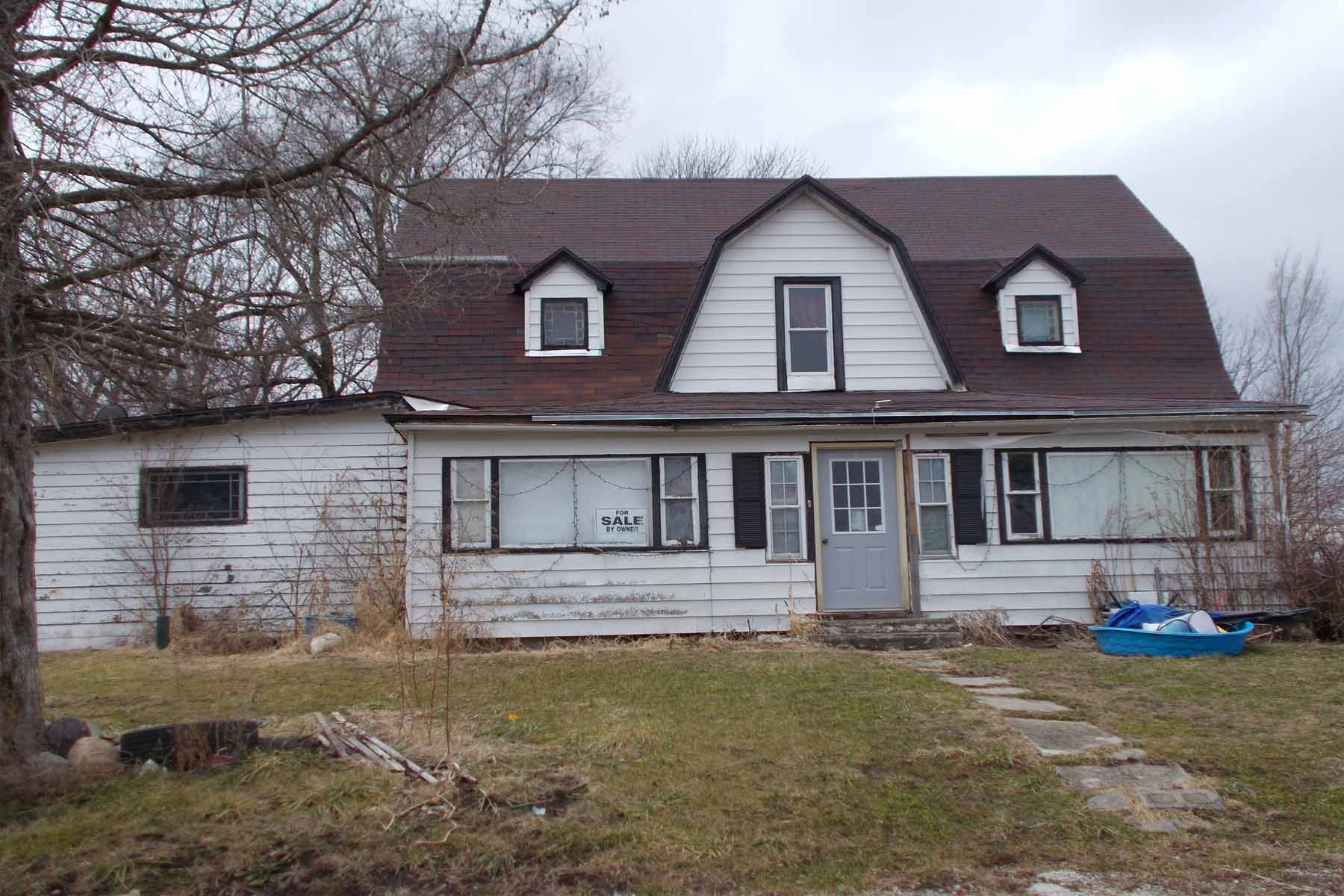 Home For Sale in Gentry MO