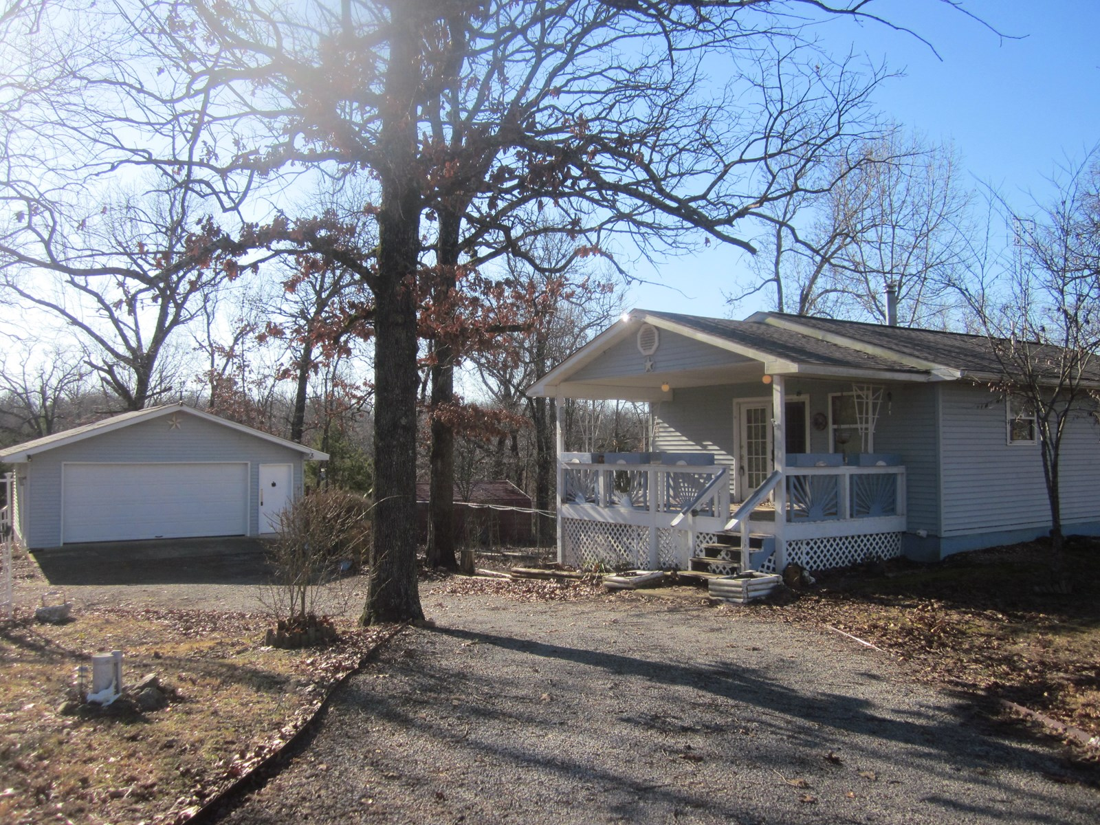 Country Cottage for Sale Near Bull Shoals Lake