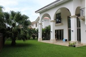 HOUSE FOR SALE OR RENT IN FAIRWAY ESTATES SANTAMARIA PANAMA